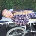 阿曽太一は寝たきり芸人!障害が武器ってすごい!脊髄性筋委縮症とは?